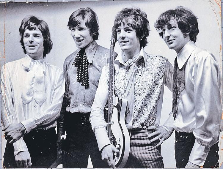 Полвека с лишним назад группа «Пинк Флойд» выглядела так (слева направо): Рик Райт, Роджер Уотерс, Сид Барретт, Ник Мейсон.