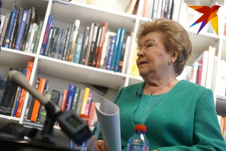 Просьбу студентов УПИ мужу передала Наина Ельцина