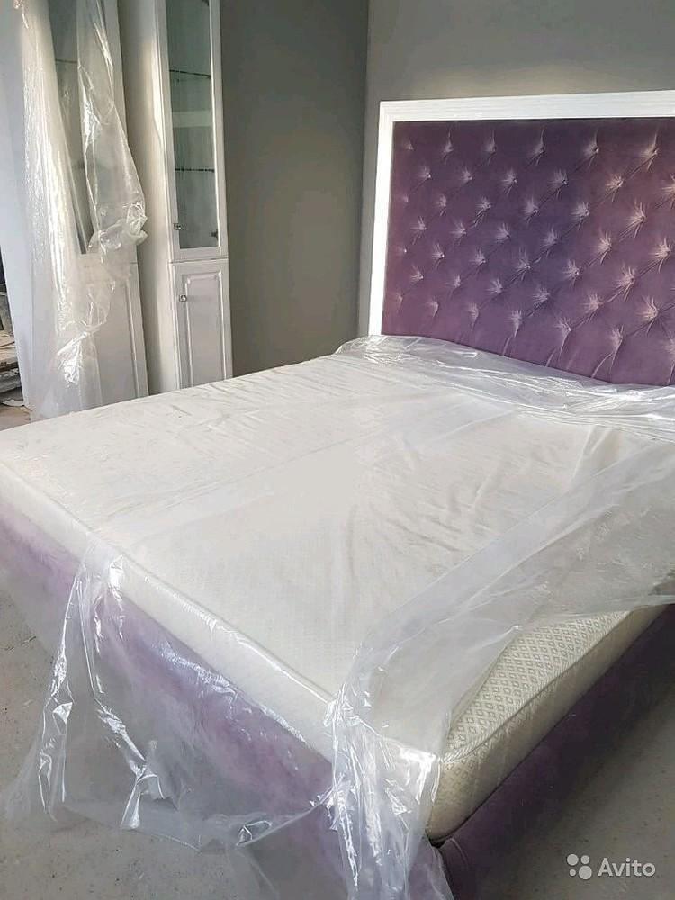 Двуспальная кровать Марии Мироновой оценивается в 35 тысяч. Фото: Avito.ru