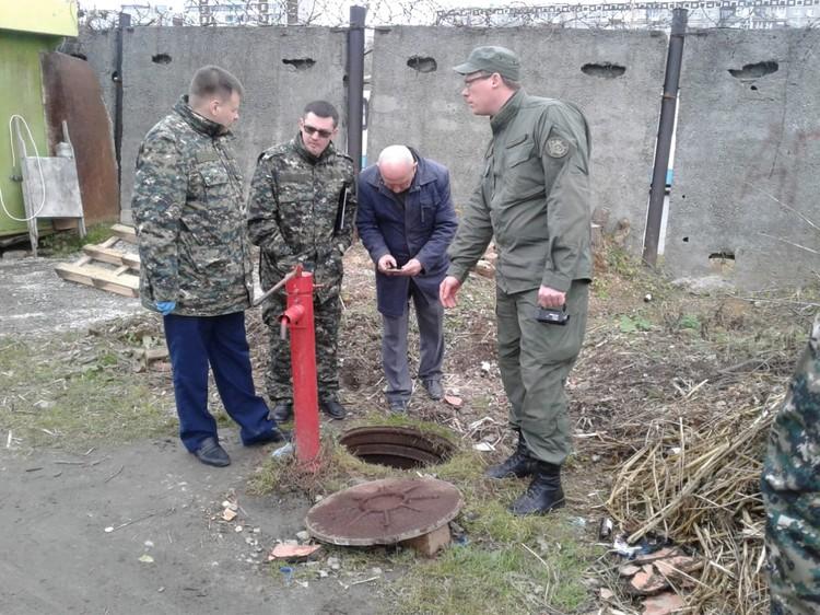 В этот коллектор сбросили тело девушки. Фото: СУ СКР по Свердловской области