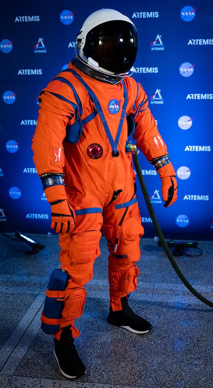 Полетный скафандр для нового корабля NASA