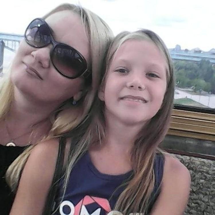 Сейчас Анна поддерживает свою дочь. Фото: личный архив героев