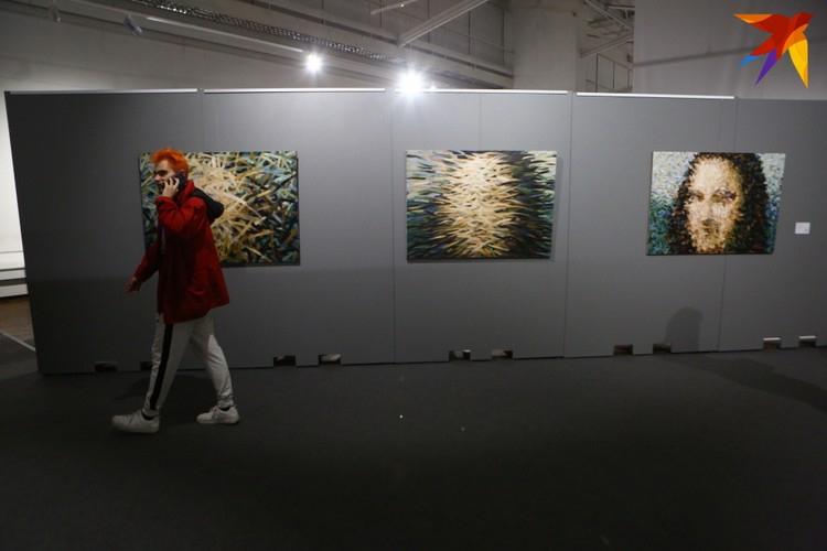 «Осенний салон» проходит во Дворце искусств