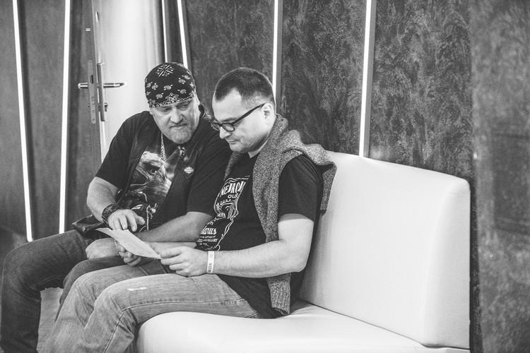 """Два экс-клавишника """"Нейро Дюбеля"""" Андрей Леончик и Максим Ивашин. Фото: Варя ЛЕБЕДЕНКО"""