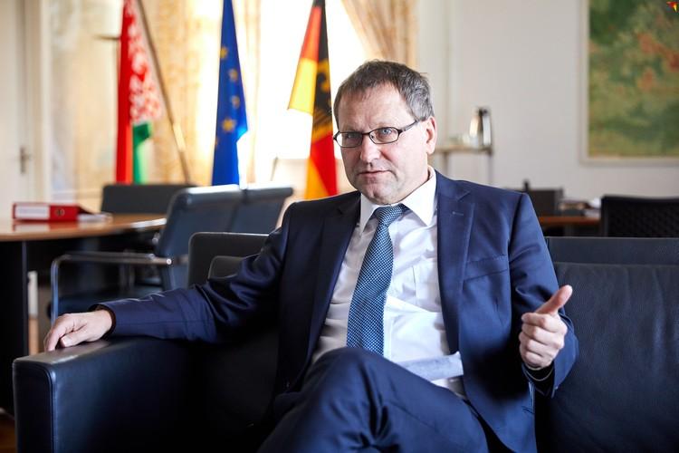 - Необходимо внести в сознание европейцев, что у Беларуси есть собственная история, - уверен господин Посол.
