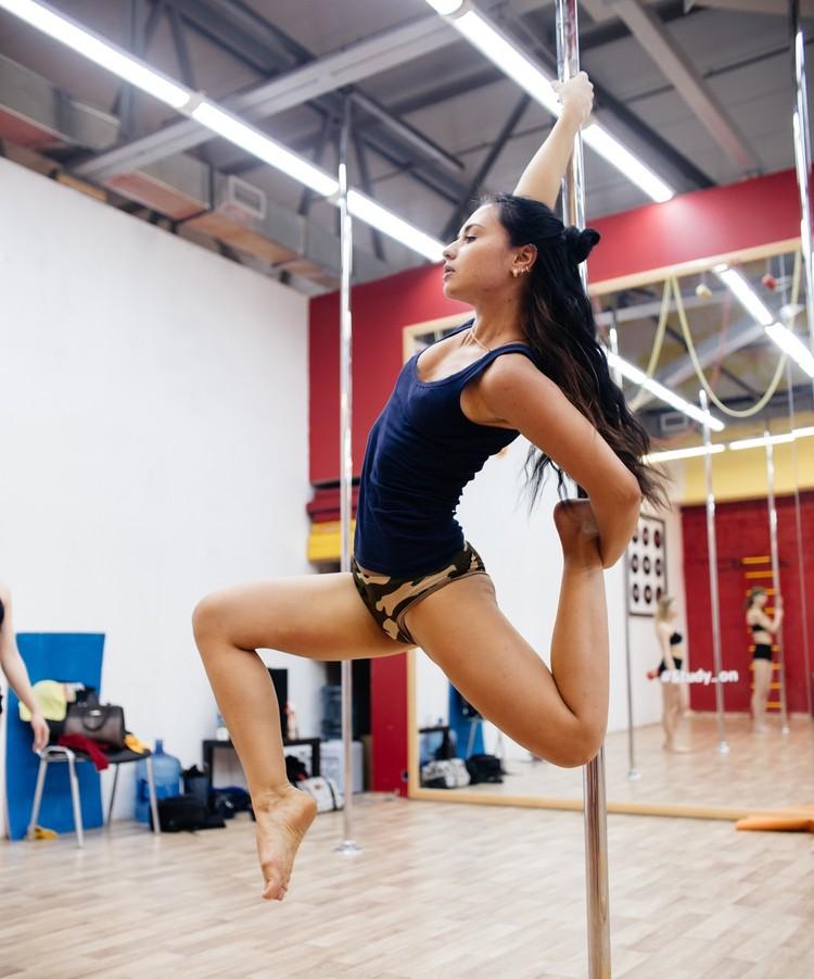 Ксения ведет здоровый образ жизни и старается не пропускать тренировки. Фото героя публикации