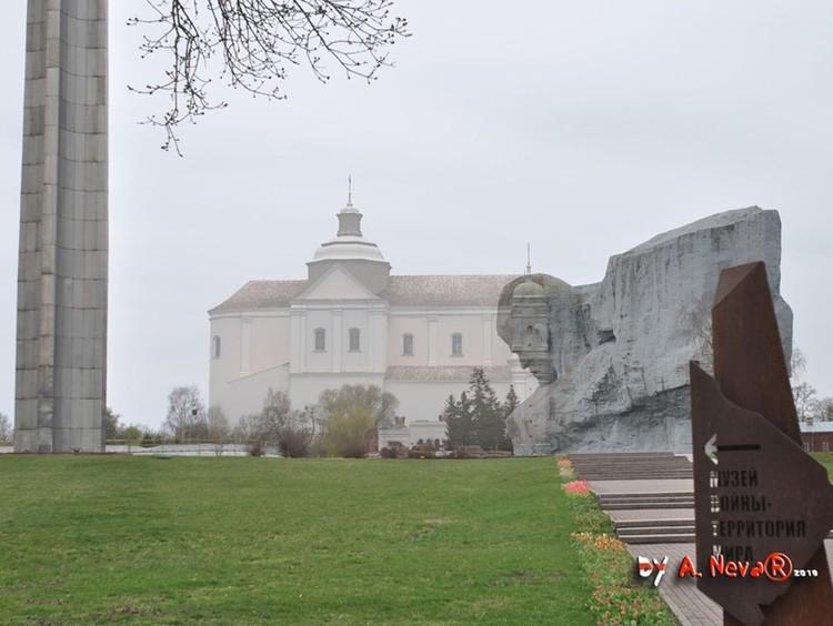 Руины около главного монумента Брестской крепости «Мужество» - это остатки коллегиума иезуитов. Фото: графическая реконструкция Александра Невара.
