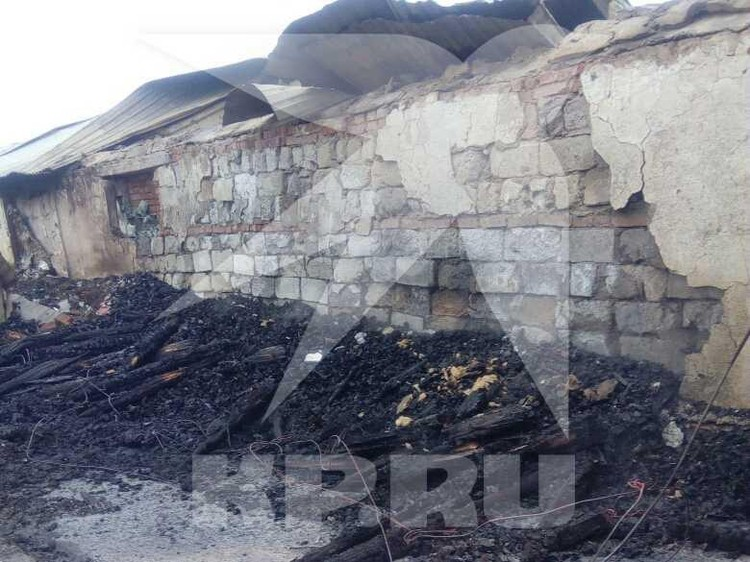 Ферма полностью уничтожена огнем
