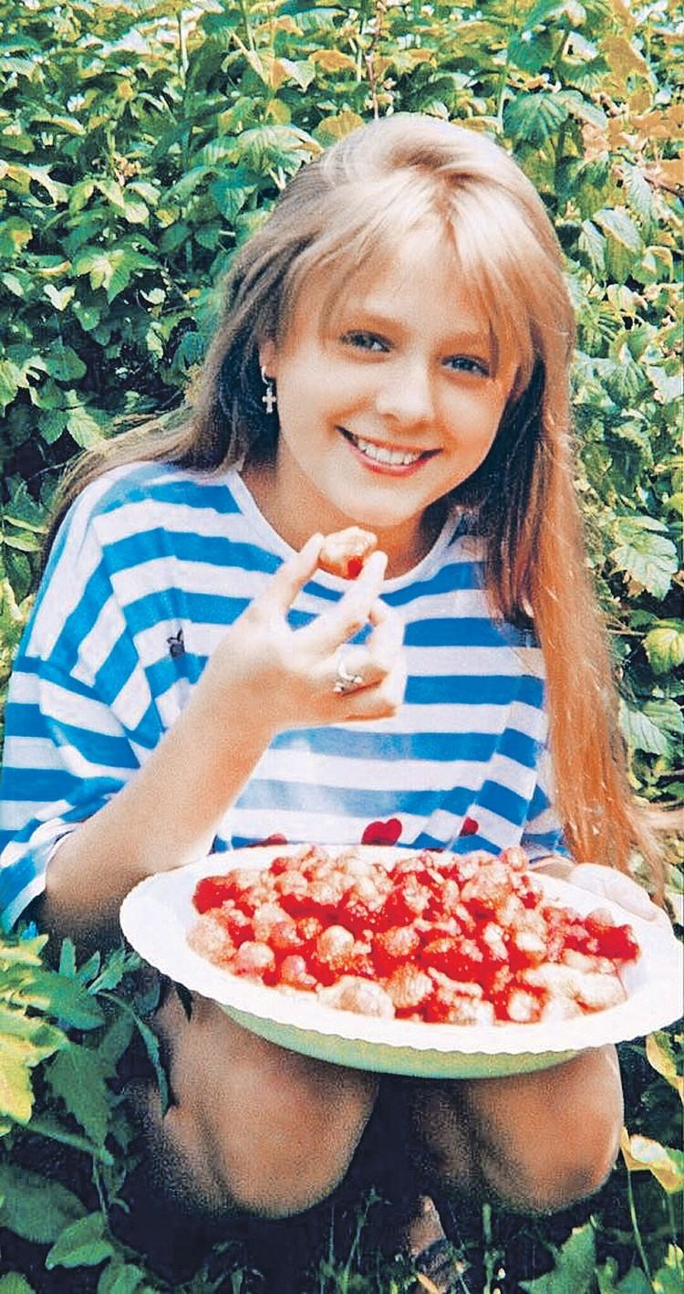 Юля Началова в детстве. Фото: instagram.com/julianachalova