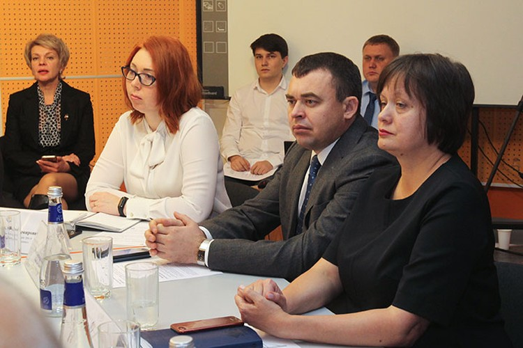 Передовые технологии в области охраны труда обсуждались на «Круглом столе» в «Комсомольской правде»