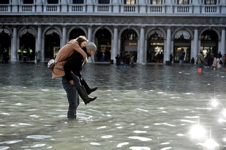 Затоплено свыше 80% города