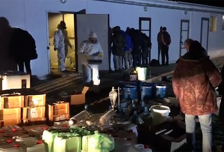 Производственные цеха завода по производству наркотиков были оборудованы в помещениях, которые украинский наркобарон снял у бывшего российского фермера