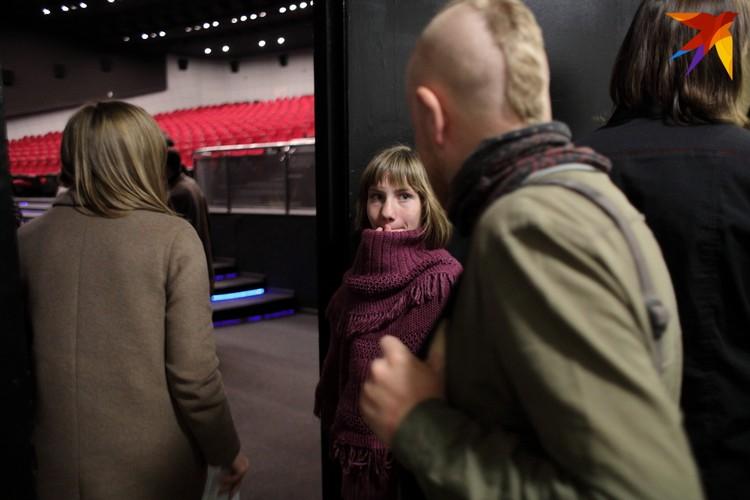На съемках фильма Настя, говорит, совсем не волновалась и сложного, по ее словам, ничего не было. А вот на белорусской премьере стоять на сцене было волнительно. «Ну конечно, 700 человек в зале!» - объясняет.