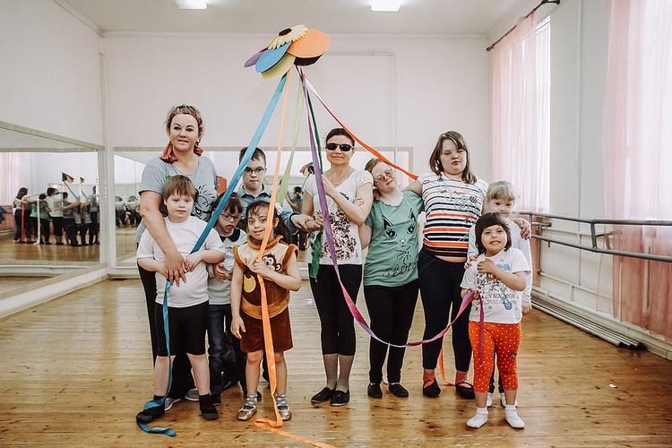 """""""Солнечные"""" детишки становятся настоящими актерами"""