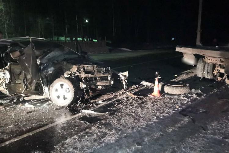 Машина мэра превратилась в груду металла. Фото: соцсети