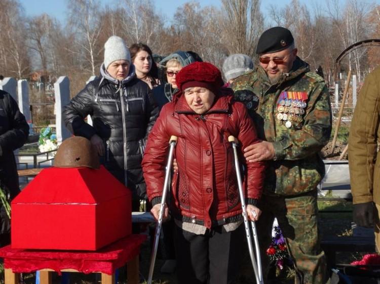 Дочь ждала вестей об отце все эти годы Фото: администрации Усть-Лабинского района