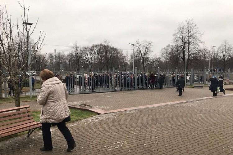 Эвакуированы были сотни человек. Фото: Дарья Лебедева/ Объединенная пресс-служба судов СПб