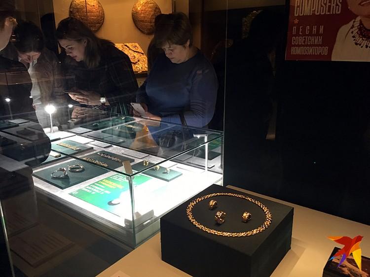 В экспозиции представлено около сорока предметов