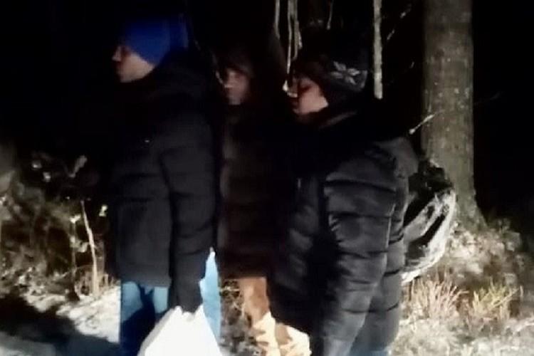 За недолгую прогулку по лесу иностранцы заплатили 10 тысяч евро. Фото: Пресс-служба Пограничного управления ФСБ России по СПб и ЛО