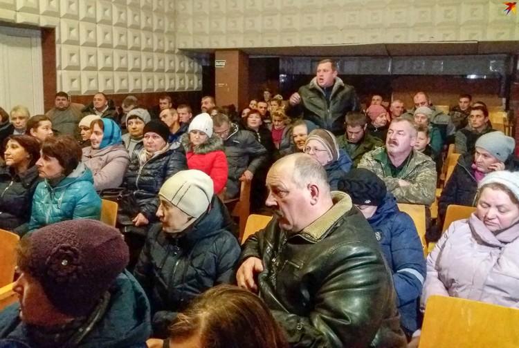Жители отстаивали не только здание школы, но и право детей учиться на белорусском языке.