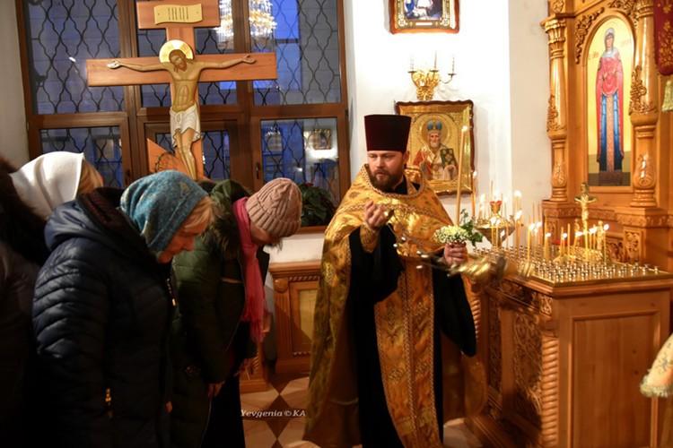 Настоятель храма отец Виктор. Фото: Евгения Карпачева