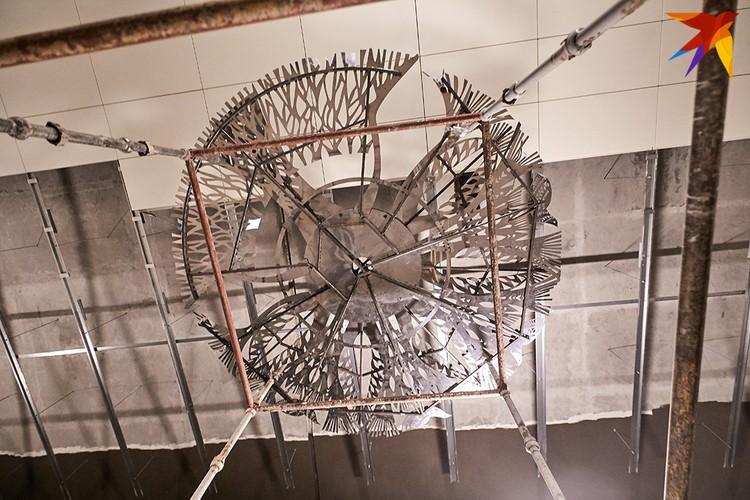 Элемент декора станции Ковальская слобода.