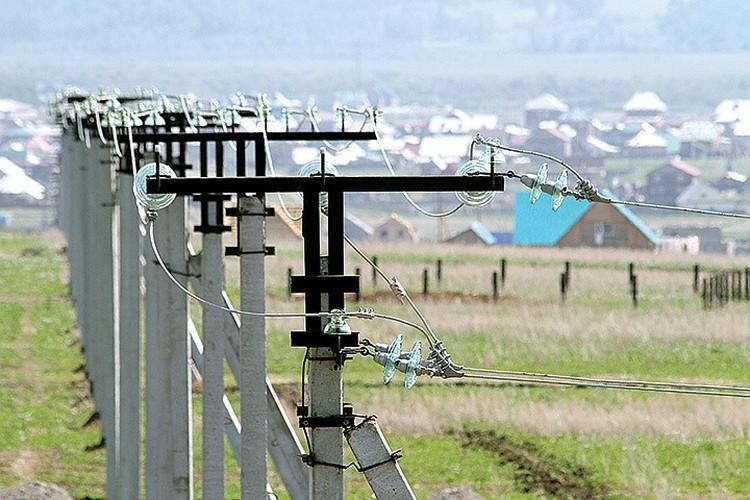 Миллионы километров сетей обеспечивают города и поселки Приангарья электроэнергией. Фото: архив компании