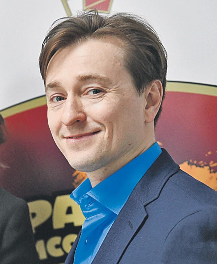 За постоянную поддержку детей, оставшихся без родителей, актер Сергей Безруков получил звание «Персона года».