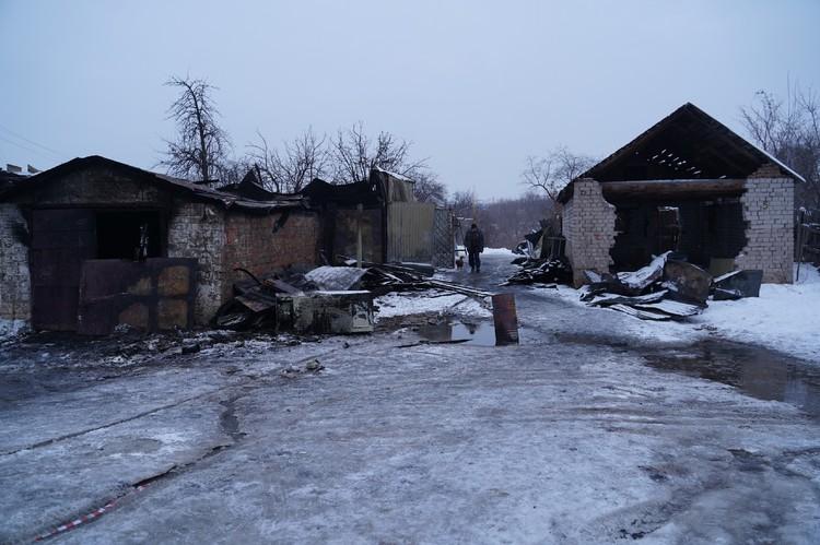 От огня пострадали несколько гаражей