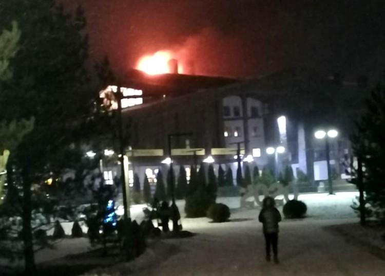 Первые фото с пожара. Фото: Вконтакте/Подслушано в городе Конаково