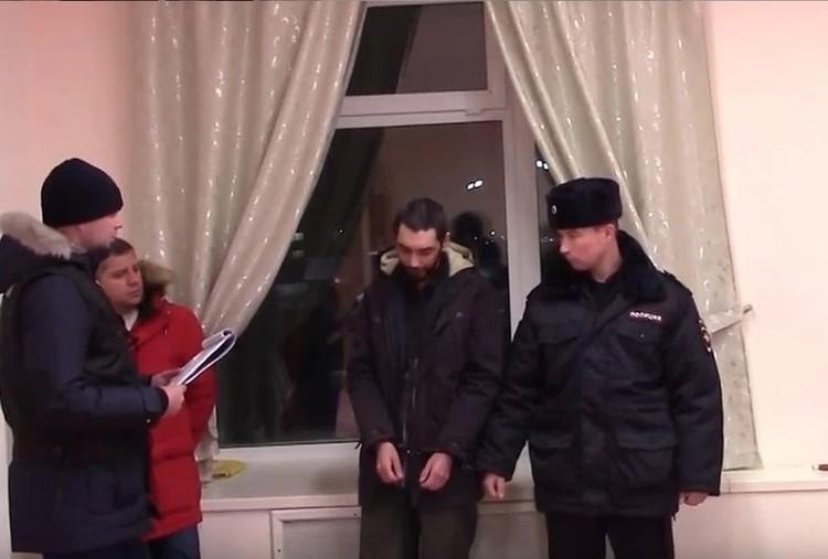 Преступник делает вид, что раскаивается Фото: СКР