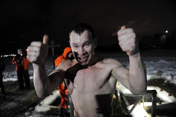 Екатеринбург во время крещенских купаний в Верх-Исетском пруду температур была -2 градуса