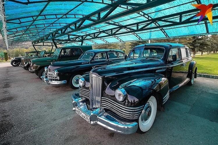 Среди арестованных машин были, например, коллекционные авто советского времени. Их стоимость — от 500 тысяч до 46 миллионов рублей