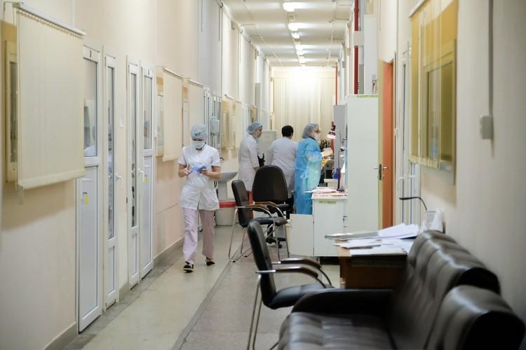Из-за угрозы распространения китайского вируса больницу перевели в режим повышенной готовности.