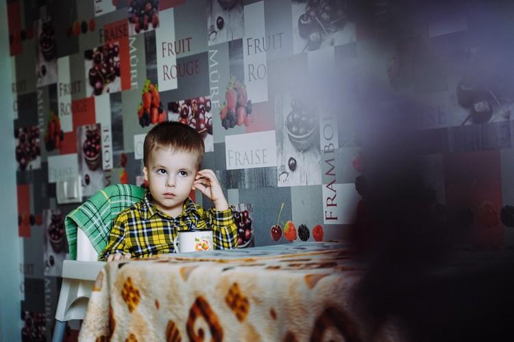 Ванечка уже начал понимать, что он не такой, как остальные дети