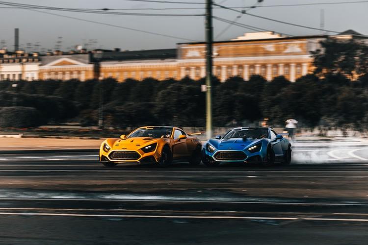 Еще одно достижение гонщиков-мастеров - эпический дриф-заезд на полной скорости по историческому центру Санкт-Петербурга. Фото: предоставлено Сергеем Кабаргиным