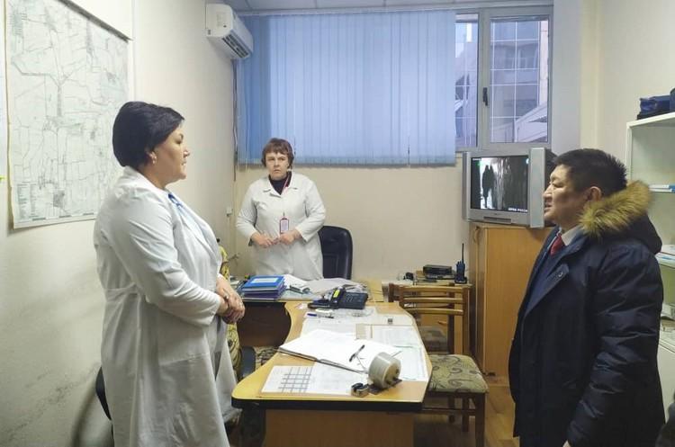Министр поручил специалистам санитарно-карантинных пунктов тщательно вести санитарный контроль.