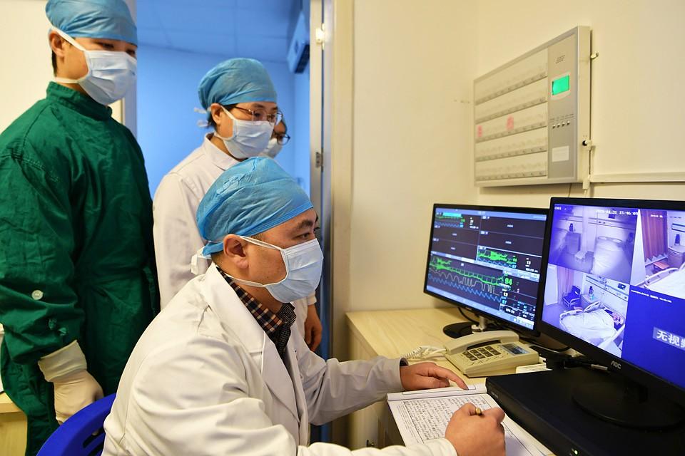 Врачи изучают новую болезнь и пытаются создать вакцину. Фото: GLOBAL LOOK PRESS