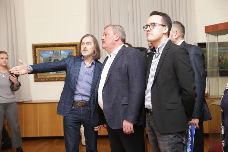 Художника поприветствовал Сергей Гапликов и министры