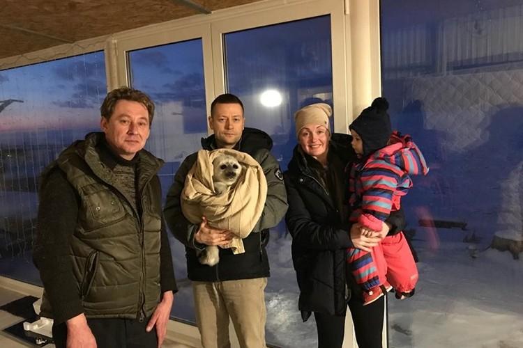 Благодаря неравнодушному работнику яхт-клуба малышку быстро спасли / Фото: Водоканал Петербурга