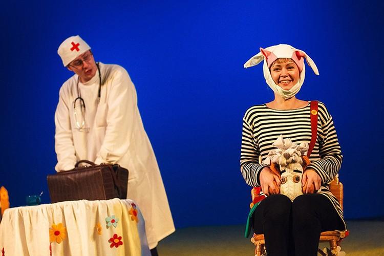Театр для детей и молодежи приглашает на новый спектакль про доктора Айболита и его зверей. Фото: Юрий КУЗНЕЦОВ.