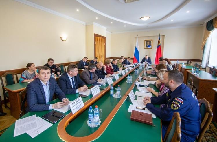 Заседание областной противопаводковой комиссии прошло в администрации области. ФОТО: пресс-служба администрации Правительства Кузбасса.