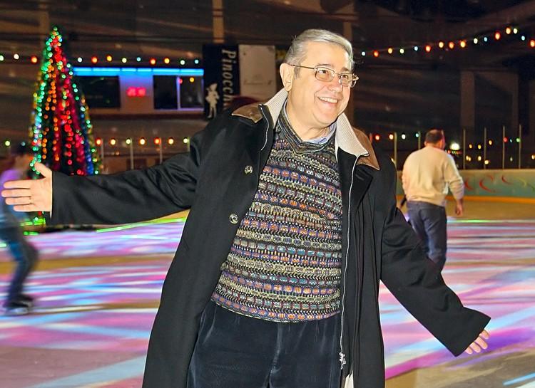 Евгений Петросян на празднике «Валенки на снегу» в крытом ледовом дворце, 2006 год. Фото ИТАР-ТАСС/ Михаил Фомичев