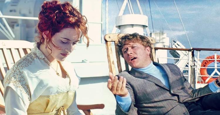 Геннадий Козодоев, беседующий на палубе Титаника с Роуз. Фото: instagram.com/klodmande