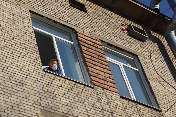 «Комсомолка» пообщалась с пассажиров лайнера, который находится на карантине в больнице Владивостока