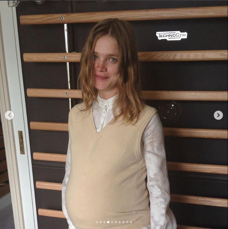 На одном из снимков Наталья сфотографирована беременной. Фото: Инстаграм.