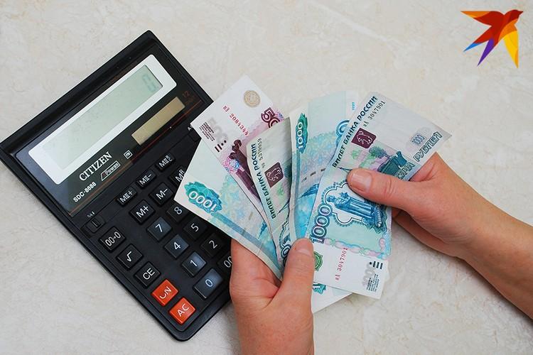 Рост курса доллара и евро, как отмечают эксперты, приведет к повышению цен на импортные товары, как это было после декабря 2014 года. Фото: архив редакции