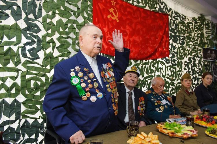Степан Степанович рассказывает о том, как воевал.