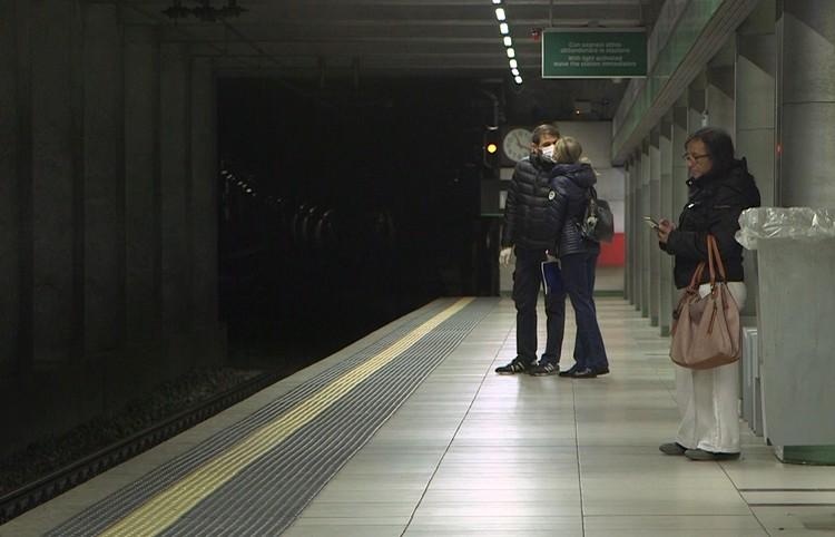 В метро Милана просторно.