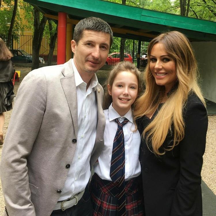 Юлия с Евгением Алдониным и дочкой Верой